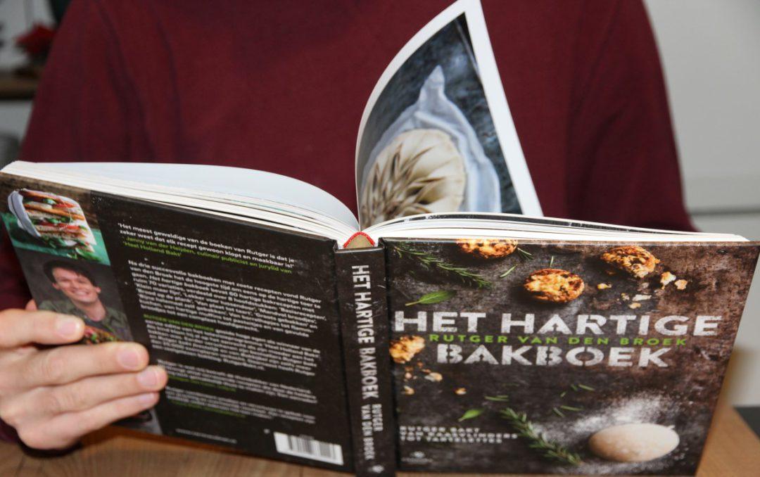 Review Het hartige bakboek.jpg